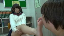 [Foot fetish] Marie-chan's embarrassing feet are blamed for stinking and stepping on her face