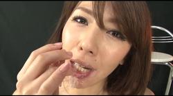 【ジャネス】糸を引く粘膜唾液を垂れ流し、自らたっぷり喉奥イラマチオする変態おしゃぶり女たち #005