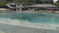 Minahasa Highland, カルメンガン hot spring source Spring Lake-1