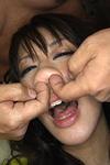 鼻穴に精液ぶち込まれる女